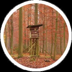 Hochsitz für die Jagd oder Forstarbeiten